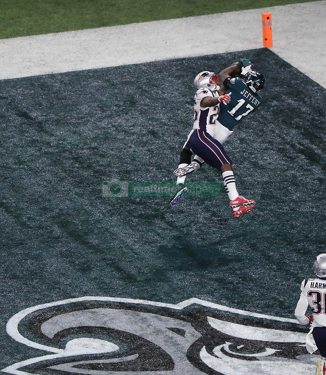 February 4, 2018 - Minneapolis, CA - Super Bowl Eagles wins 41-33 over Patriots..Philadelphia Eagles wide receiver Alshon Jeffery (17) catches a TD pass at U.S. Bank Stadium on Sunday, Feb. 4, 2018 in Minneapolis, CA (Credit Image: © Paul Kuroda via ZUMA Wire)