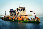 """Shipwreck """"Mary D Hume"""" in Gold Beach, Oregon"""
