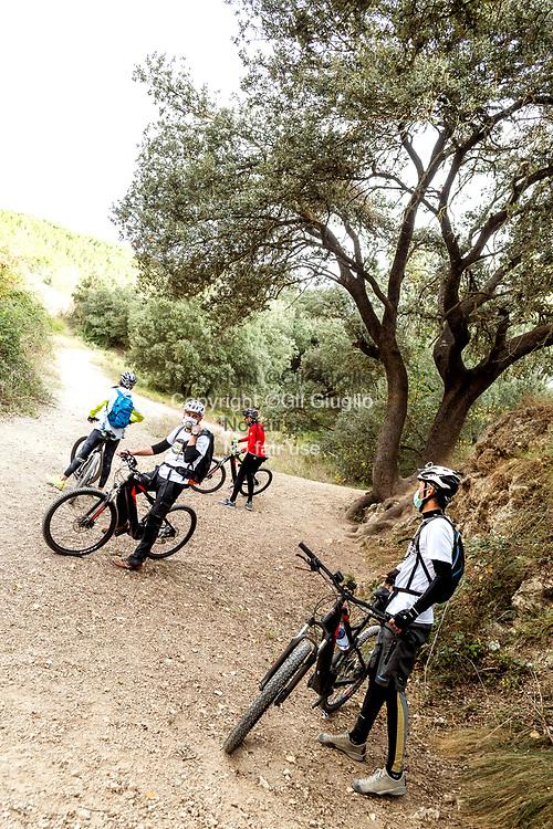 Spain, Province of Alicante; Natural park of Sierra Mariola, Electric resistance bike on GR7 trail // Espagne , Province d'Alicante, Parc naturel de la Sierra Mariola, Vélo à assistance électique sur GR7