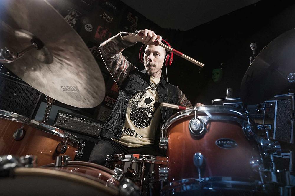 Music Photographer Raymond Rudolph documents musician Sparx Kephart in the studio