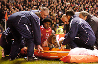 Fotball<br /> England 2004/2005<br /> Kvartfinale Carling Cup<br /> 01.12.2004<br /> Foto: SBI/Digitalsport<br /> NORWAY ONLY<br /> <br /> Manchester United v Arsenal<br /> <br /> Manchester United lose Kleberson to an ankle injury.