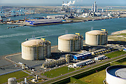 Nederland, Zuid-Holland, Rotterdam, 23-10-2013; Maasvlakte met Gate terminal, aanlandstation voor LNG (liquefied natural gas) aan de Yangtzehaven. ECT Delta Terminal en centrale van E.ON in de achtergrond.<br /> Gate terminal for LNG,  ECT Delta Terminal and  E. ON power station in the background.<br /> luchtfoto (toeslag op standard tarieven);<br /> aerial photo (additional fee required);<br /> copyright foto/photo Siebe Swart