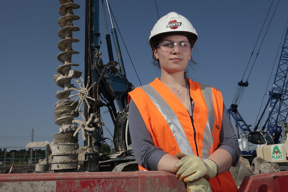 Bechtel Engineer Claire Rose.<br />Reading Station project. England, UK<br /><br />Photograph by Zute Lightfoot