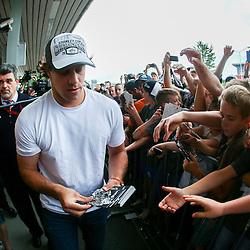 20140626: SLO, Ice Hockey - Reception of NHL Star Anze Kopitar at Airport Joze Pucnik