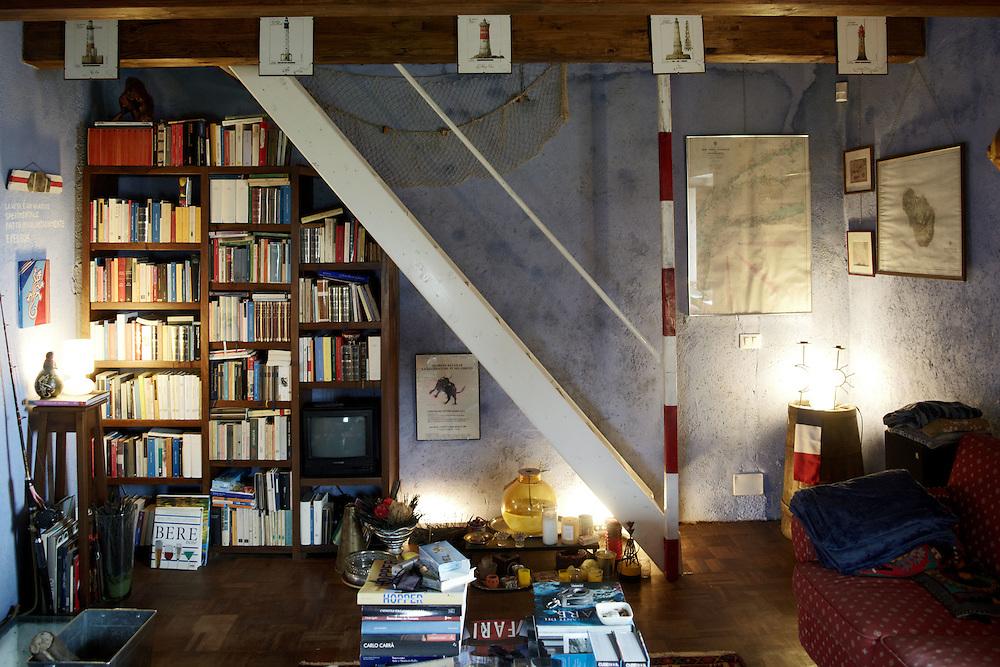 """13 FEB 2010 - La Spezia - La casa di Simone Perotti, scrittore, autore di """"Adesso Basta"""" :-: Italian writer and skipper Simone Perotti's home"""