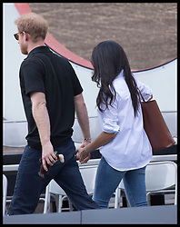 September 25, 2017 - Toronto, Canada - Image licensed to i-Images Picture Agency. 25/09/2017. Toronto, Canada. Prince Harry and Meghan Markle at  the wheelchair tennis on day three of the Invictus Games in Toronto, Canada.  Picture by Stephen Lock / i-Images (Credit Image: © Stephen Lock/i-Images via ZUMA Press)