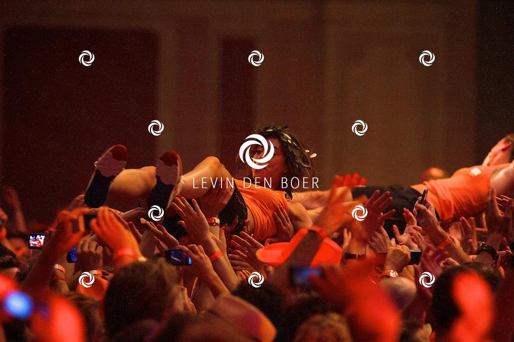LONDON - In het Holland Heineken House zijn de Hockeydames gehuldigd. FOTO DENNIS EKELSCHOT - PERSFOTO.NU