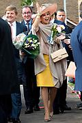 Koning Willem-Alexander en koningin Maxima tijdens hun streekbezoek aan Zeeuws Vlaanderen<br /> <br /> King Willem-Alexander and Queen Maxima  during their visit to Zeeuws Vlaanderen.<br /> <br /> Op de foto / On the photo:  Aankomst bij Industrieel Museum Zeeland / Arrival at Industrial Museum Zealand