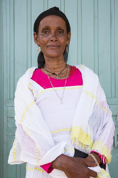 Menschen für Menschen: Visiting a Women's Association