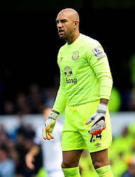 Everton's Tim Howard  - Mandatory byline: Matt McNulty/JMP - 07966386802 - 12/09/2015 - FOOTBALL - Goodison Park -Everton,England - Everton v Chelsea - Barclays Premier League
