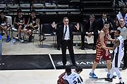 DESCRIZIONE : Bologna Lega A 2015-16 Obiettivo Lavoro Virtus Bologna - Umana Reyer Venezia<br /> GIOCATORE : Giorgio Valli<br /> CATEGORIA : Allenatore Coach Mani Delusione<br /> SQUADRA : Obiettivo Lavoro Virtus Bologna<br /> EVENTO : Campionato Lega A 2015-2016<br /> GARA : Obiettivo Lavoro Virtus Bologna - Umana Reyer Venezia<br /> DATA : 04/10/2015<br /> SPORT : Pallacanestro<br /> AUTORE : Agenzia Ciamillo-Castoria/GiulioCiamillo<br /> <br /> Galleria : Lega Basket A 2015-2016 <br /> Fotonotizia: Bologna Lega A 2015-16 Obiettivo Lavoro Virtus Bologna - Umana Reyer Venezia