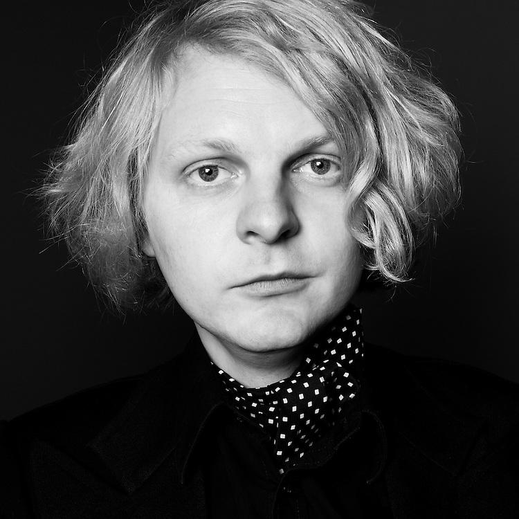 Portrait of Henning Dietz (drummer) from The Veils