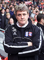 Fotball: Birmingham City manager Steve Bruce pictured before his side's 3-0 defeat to Liverpool in  the FA Cup 3rd Round at Anfield. Saturday 5th January 2002.<br /><br />Foto: David Rawcliffe, Digitalsport