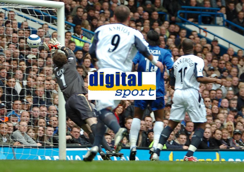 Photo: Ed Godden.<br />Chelsea v West Ham United. The Barclays Premiership. 09/04/2006. Chelsea keeper, Peter Cech fails to save James Collins' shot for West Ham.