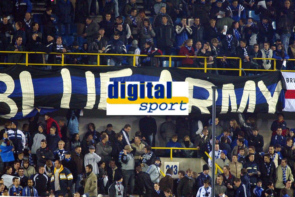 Fotball<br /> UEFA Champions League 2003/2004<br /> 04.11.2003<br /> Club Brügge / Brugge v AC Milan<br /> Blue Army Brugge<br /> Foto: Morten Olsen, Digitalsport
