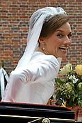 Zijne Hoogheid Prins Floris van Oranje Nassau, van Vollenhoven en mevrouw mr. A.L.A.M. Söhngen zijn zaterdag 22 oktober in de kerk van Naarden in het  huwelijk getreden. De prins is de jongste zoon van Prinses Magriet en Pieter van Vollenhoven.<br /> <br /> Church Wedding Prince Floris and Aimée Söhngen. <br /> <br /> Church Wedding Prince Floris and Aimée Söhngen in Naarden. The Prince is the youngest son of Princess Margriet, Queen Beatrix's sister, and Pieter van Vollenhoven. <br /> <br /> Op de foto / On the photo;<br /> <br /> <br /> <br /> Prinses Aimée Leonie Allegonde Marie Söhngen <br /> <br /> Pricess Aimée Leonie Allegonde Marie Söhngen