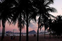 Pôr do sol na praia de Ipanema - Rio de Janeiro - Brasil . FOTO: Jefferson Bernardes/Preview.com