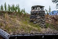 VILDMARKSVÄGEN JULI 2020<br /> Detalj på ett av husen i Fatmomakke med en murad skorsten i skiffersten.<br /> Foto: Per Danielsson/Projekt.P