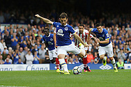 Leighton Baines of Everton scores his teams first goal from the penalty spot. Premier league match, Everton v Stoke city at Goodison Park in Liverpool, Merseyside on Saturday 27th August 2016.<br /> pic by Chris Stading, Andrew Orchard sports photography.