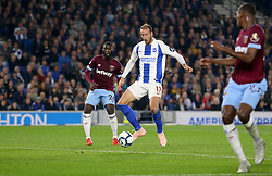 Brighton & Hove Albion's Glenn Murray (centre) scores his side's first goal of the game