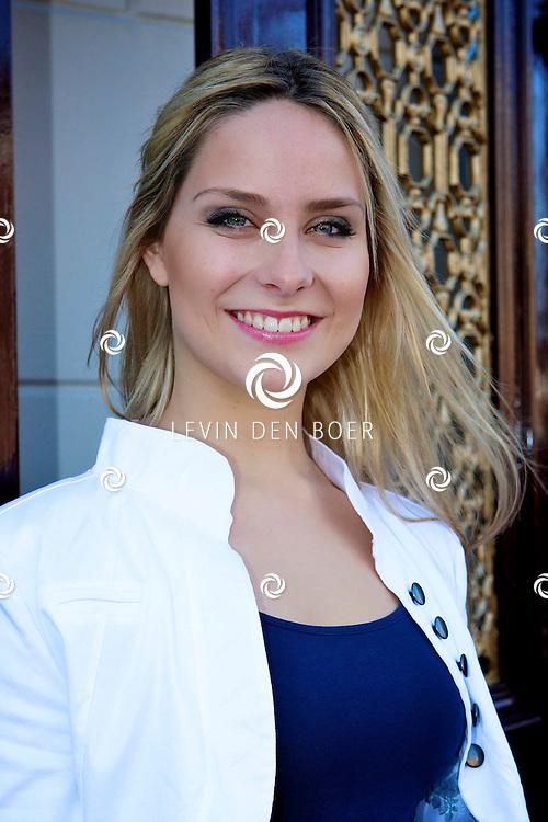 LEIDEN - In de Leidse schouwburg is de perspresentatie van De Zangeres Zonder Naam gehouden.  Met op de foto Nikki van Ostaijen. FOTO LEVIN DEN BOER - PERSFOTO.NU
