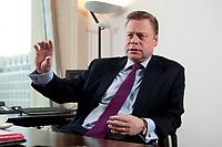 21 JAN 2010, BERLIN/GERMANY:<br /> Iaian Conn, Chief executive Refining and Marketing, Executive member of the BP board of directors, waehrend einem Interview, BP Buero Berlin<br /> IMAGE: 20100121-01-031