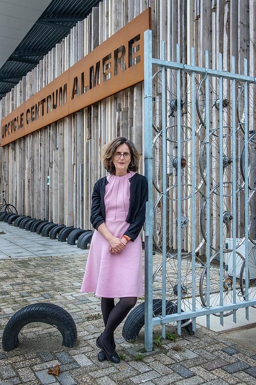 Nederland. Almere, 12-09-2018. Photo: Patrick Post. Portret van Lidewij de Graaf, posterend bij het Upcyclecentrum Almere.