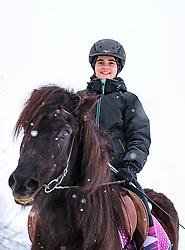 THEMENBILD - eine junge Reiterin mit ihrem Islandpferd bei Schneefall bei ihrem Ausritt, aufgenommen am 3. Februar 2018 in Kaprun, Österreich // a young Woman riding horse in winter scenery, Kaprun, Austria on 2018/02/03. EXPA Pictures © 2018, PhotoCredit: EXPA/ JFK