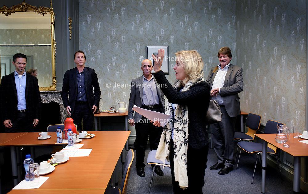 Nederland. Den Haag.13 november 2014.<br /> Bezoek minister Jet Bussemaker aan Welten-instituut van de Open Universiteit.<br /> Foto: Jean-Pierre Jans/ANPinOpdracht