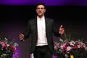 Moderator des Abends Salar Bahrampoori anlässlich der Glory-Verleihung 2018 am 12. Januar 2019 im Aura Club Zürich.