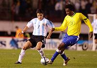 Fotball, 6. juni 2005,  - <br />  - QUALIFYING ROUND -  - ARGENTINA v BRAZIL - 08/06/2005 - JROQUE JUNIOR (BRA) / JAVIER SAVIOLA (ARG) <br /> PHOTO BERTRAND MAHE / DIGITALSPORT<br /> NORWAY ONLY