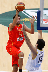 15.08.2010, Logroo, ESP, Friendly Basketball LS, Spain vs Argentia, im Bild Spain's Alex Mumbru (l) and Argentina's Leonardo Gutierrez during Friendly match. EXPA Pictures © 2010, PhotoCredit: EXPA/ Alterphotos/ Acero +++++ ATTENTION - OUT OF SPAIN +++++