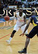 DESCRIZIONE : Verona Campionato Lega Basket A2 2011-12 Tezenis Verona Sigma Barcellona<br /> GIOCATORE : Mario West<br /> SQUADRA : Tezenis Verona<br /> EVENTO : Campionato Lega Basket A2 2011-2012<br /> GARA : Tezenis Verona Sigma Barcellona<br /> DATA : 15/11/2011<br /> CATEGORIA : Palleggio<br /> SPORT : Pallacanestro <br /> AUTORE : Agenzia Ciamillo-Castoria/L.Lussoso<br /> Galleria : Lega Basket A2 2011-2012 <br /> Fotonotizia : Verona Campionato Lega Basket A2 2011-12 Tezenis Verona Sigma Barcellona<br /> Predefinita :