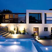 Modern Pool 515