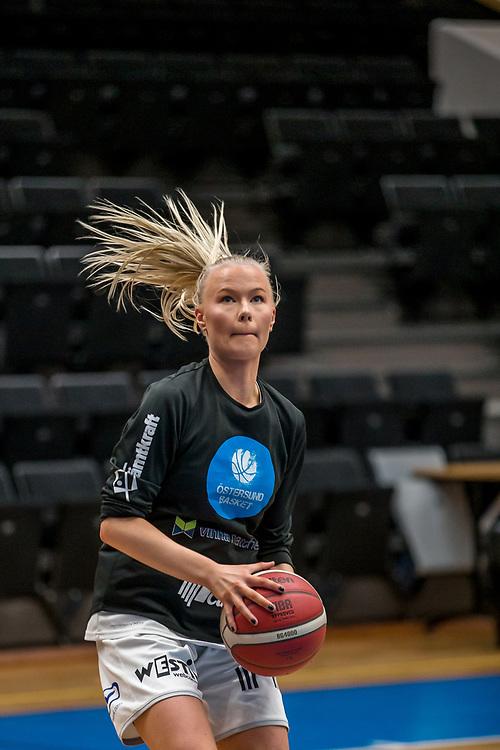ÖSTERSUND 20200119<br /> Östersunds Jennie Alfredsson under söndagens match i Basketettan mellan Östersund Basket och RIG Liuleå i Östersunds Sporthall.<br /> <br /> Foto: Per Danielsson/Projekt.P