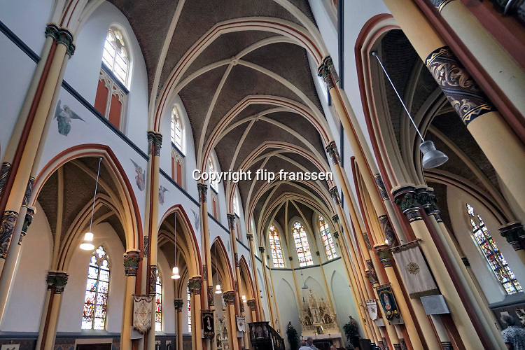 Nederland, Batenburg, 28-7-2019 Interieur van de katholieke kerkin dit kleine stadje .Foto: Flip Franssen
