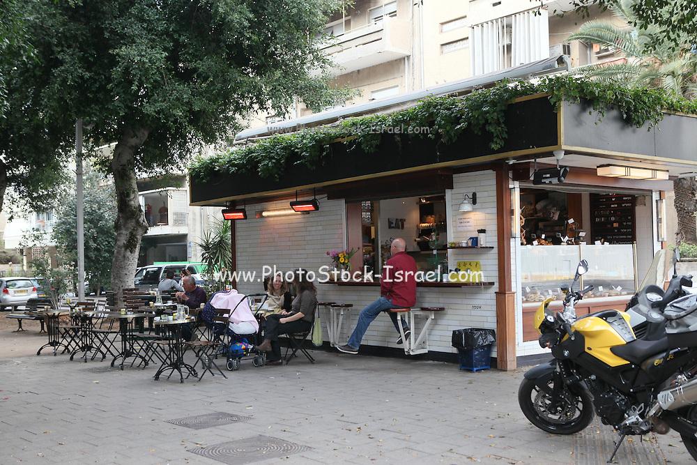 Israel, Tel Aviv, Outdoor cafe and restaurant