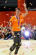 Nederlandse Olympische ploeg komt thuis en wordt gehuldigd op het plein voor Station Den Bosch.<br /> <br /> Op de foto:  Marianne Vos