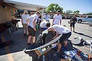 In Battle Mountain (Nevada) wordt ieder jaar de World Human Powered Speed Challenge gehouden. Tijdens deze wedstrijd wordt geprobeerd zo hard mogelijk te fietsen op pure menskracht. Het huidige record staat sinds 2015 op naam van de Canadees Todd Reichert die 139,45 km/h reed. De deelnemers bestaan zowel uit teams van universiteiten als uit hobbyisten. Met de gestroomlijnde fietsen willen ze laten zien wat mogelijk is met menskracht. De speciale ligfietsen kunnen gezien worden als de Formule 1 van het fietsen. De kennis die wordt opgedaan wordt ook gebruikt om duurzaam vervoer verder te ontwikkelen.<br /> <br /> In Battle Mountain (Nevada) each year the World Human Powered Speed ??Challenge is held. During this race they try to ride on pure manpower as hard as possible. Since 2015 the Canadian Todd Reichert is record holder with a speed of 136,45 km/h. The participants consist of both teams from universities and from hobbyists. With the sleek bikes they want to show what is possible with human power. The special recumbent bicycles can be seen as the Formula 1 of the bicycle. The knowledge gained is also used to develop sustainable transport.