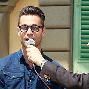 ITA/Lucca /20130521 - Presenttie Cast film De Toscaanse Bruiloft, Jan Kooijman in gesprek met Johan Nijenhuis