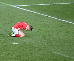 Bristol City's Matt Smith dejected  - Photo mandatory by-line: Alex James/JMP - Mobile: 07966 386802 - 25/01/2015 - SPORT - Football - Bristol - Ashton Gate - Bristol City v West Ham United - FA Cup Fourth Round