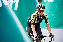 Georgia Williams (NZL) weaves through the buoys to sign on at Deakin University Elite Women Cadel Evans Road Race 2019, a 113 km road race starting and finishing in Geelong, Australia on January 26, 2019. Photo by Sean Robinson/velofocus.com