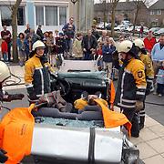 Open dag hulpverleningsdiensten, brandweer openknippen wrak