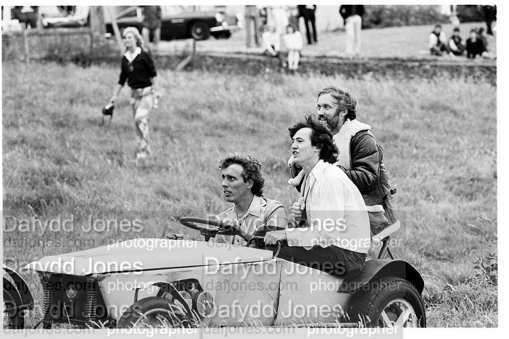 John Fack and Alan Weston, Damgerous Sports Club tea Party at Robert Fack's House Gloucestershire. England. 1981© Copyright Photograph by Dafydd Jones 66 Stockwell Park Rd. London SW9 0DA Tel 020 7733 0108 www.dafjones.com