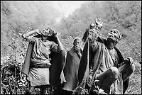 Nepal. Population Gurung. Recolte du miel. // Nepal. Gurung ethnic group. Honey hunter.