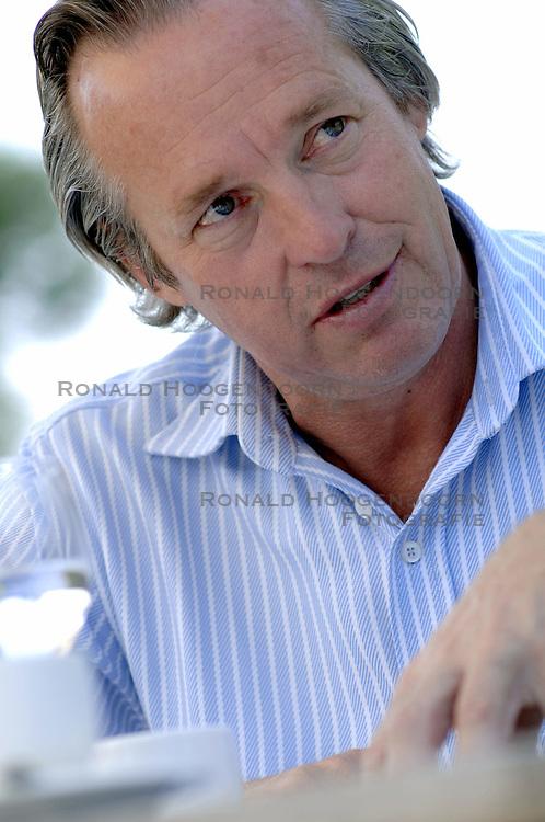 22-09-2006 VOLLEYBAL: REPORTAGE JOOP ALBERDA: VINKEVEEN<br /> VolleybalLIFE in gesprek met Joop Alberda<br /> ©2006-WWW.FOTOHOOGENDOORN.NL