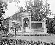 0613-B024. Hahnemann statue, Scott Circle, Massachusetts Ave. & 16th NW. Washington, DC, 1922