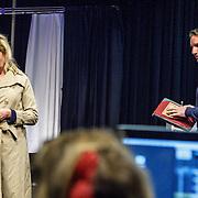 NLD//Amsterdam20160415 - Persdag toneelstuk In de Ban van Broadway, Tjitske Reidinga en partner Peter Blok