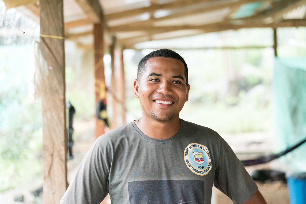 16 November 2018, San José de León, Mutatá, Antioquia, Colombia: 22-year-old Rober Hernández Hernández lived 8 years as a FARC combatant, starting at the age of 12. He was imprisoned, but released as a result of the 2016 peace treaty in Colombia. Following the 2016 peace treaty between FARC and the Colombian government, a group of ex-combatant families have purchased and now cultivate 36 hectares of land in the territory of San José de León, municipality of Mutatá in Antioquia, Colombia. A group of 27 families first purchased the lot of land in San José de León, moving in from nearby Córdoba to settle alongside the 50-or-so families of farmers already living in the area. Today, 50 ex-combatant families live in the emerging community, which hosts a small restaurant, various committees for community organization and development, and which cultivates the land through agriculture, poultry and fish farming. Though the community has come a long way, many challenges remain on the way towards peace and reconciliation. The two-year-old community, which does not yet have a name of its own, is located in the territory of San José de León in Urabá, northwest Colombia, a strategically important corridor for trade into Central America, with resulting drug trafficking and arms trade still keeping armed groups active in the area. Many ex-combatants face trauma and insecurity, and a lack of fulfilment by the Colombian government in transition of land ownership to FARC members makes the situation delicate. Through the project De la Guerra a la Paz ('From War to Peace'), the Evangelical Lutheran Church of Colombia accompanies three communities in the Antioquia region, offering support both to ex-combatants and to the communities they now live alongside, as they reintegrate into society. Supporting a total of more than 300 families, the project seeks to alleviate the risk of re-victimization, or relapse into violent conflict.