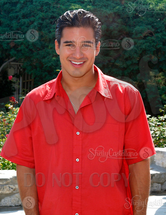 Jul 09, 2002; Los Angeles, CA, USA; Actor MARIO LOPEZ arrives @ SUGAR RAY LEONARD BOXING first year anniversary which was celebrated with a live fight night on ESPN2 from the Playboy Mansion in Holmby Hills.  Over 350 invited guests attended the cocktail reception and showdown in the back yard of Playboy HUGH HEFNER's 5.5 acre estate. <br />Mandatory Credit: Photo by Shelly Castellano/ZUMA Press.<br />(©) Copyright 2002 by Shelly Castellano